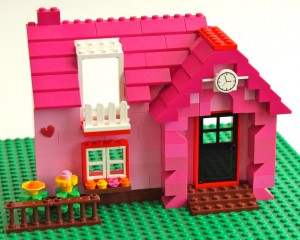 Love Belle's Kiss Me Cottage in Lego